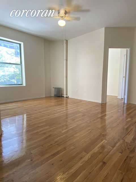2 Bedrooms, Lincoln Square Rental in NYC for $2,395 - Photo 1