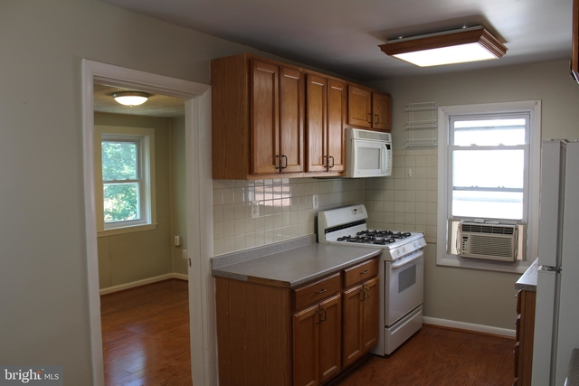 2 Bedrooms, North Rosslyn Rental in Washington, DC for $2,075 - Photo 2