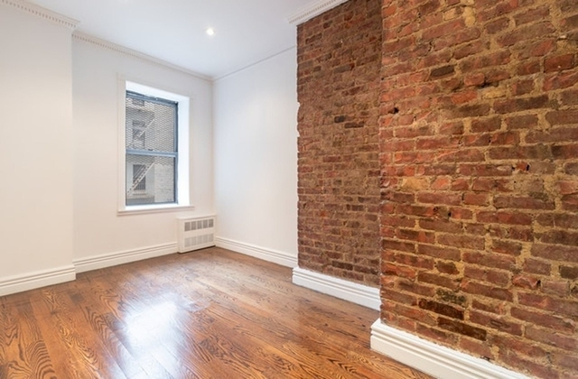 3 Bedrooms, Alphabet City Rental in NYC for $5,270 - Photo 2