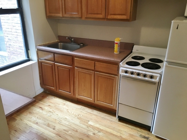 2 Bedrooms, Turtle Bay Rental in NYC for $2,550 - Photo 2
