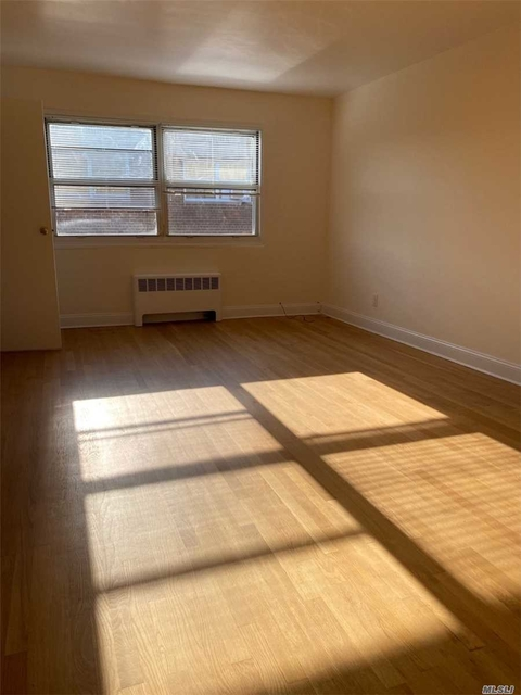 1 Bedroom, Great Neck Plaza Rental in Long Island, NY for $1,829 - Photo 2