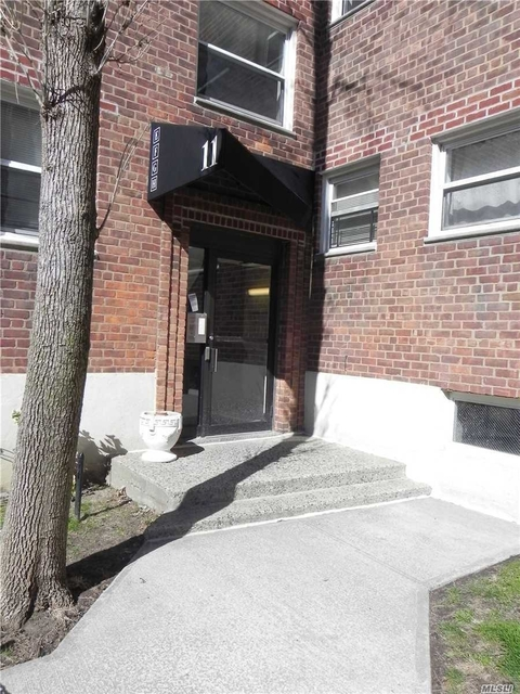 1 Bedroom, Great Neck Plaza Rental in Long Island, NY for $1,829 - Photo 1