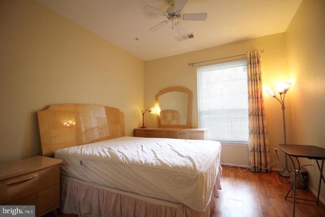 1 Bedroom, Scotts Run Crossing Rental in Washington, DC for $1,650 - Photo 2