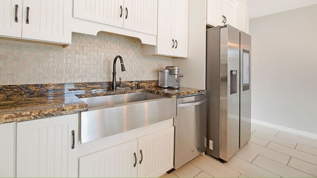3 Bedrooms, Bedford Mews at Wellington Rental in Miami, FL for $6,500 - Photo 2