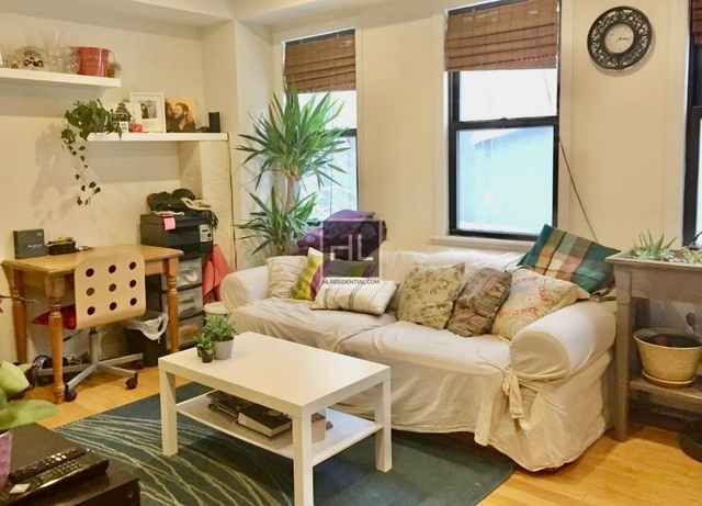 2 Bedrooms, Chelsea Rental in NYC for $3,095 - Photo 2