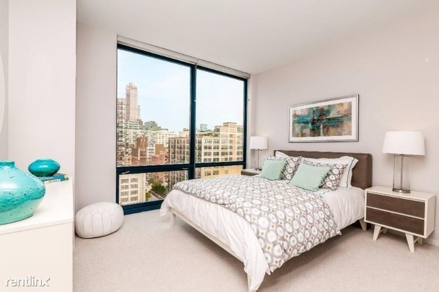 2 Bedrooms, Greektown Rental in Chicago, IL for $2,900 - Photo 2