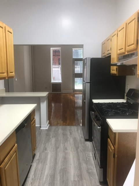 2 Bedrooms, Yorkville Rental in NYC for $3,500 - Photo 2