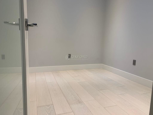 3 Bedrooms, Hell's Kitchen Rental in NYC for $4,426 - Photo 2