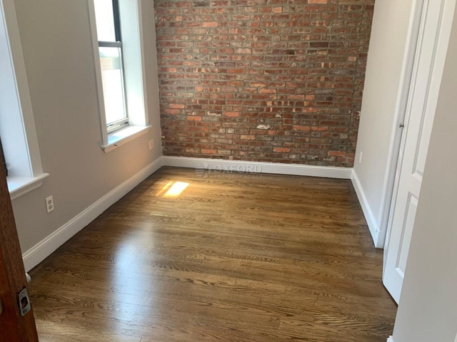 3 Bedrooms, Gramercy Park Rental in NYC for $4,796 - Photo 2