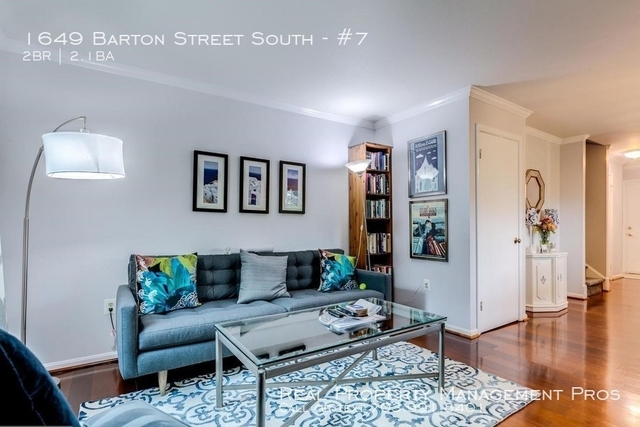 2 Bedrooms, Columbia Heights South Rental in Washington, DC for $2,500 - Photo 2