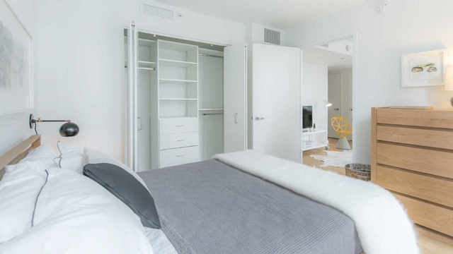 Studio, Lincoln Square Rental in NYC for $3,437 - Photo 2