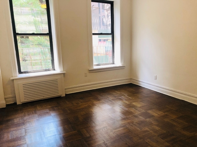 2 Bedrooms, Carnegie Hill Rental in NYC for $3,046 - Photo 2