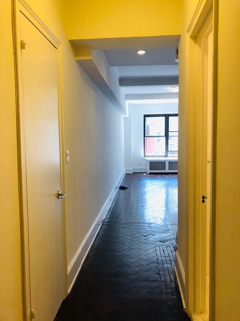 Studio, Upper West Side Rental in NYC for $2,308 - Photo 2