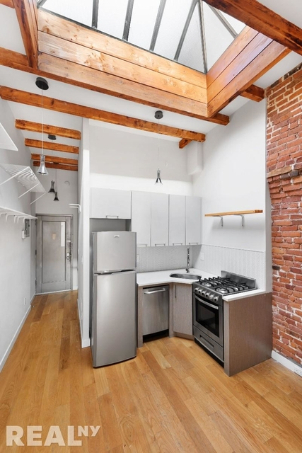 2 Bedrooms, Two Bridges Rental in NYC for $2,639 - Photo 1
