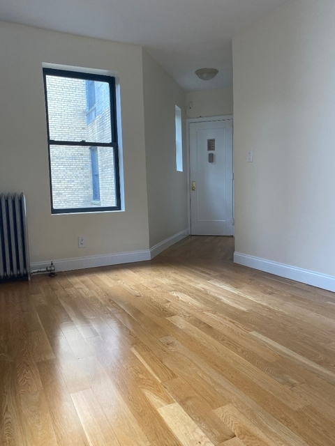 2 Bedrooms, West Village Rental in NYC for $4,310 - Photo 2
