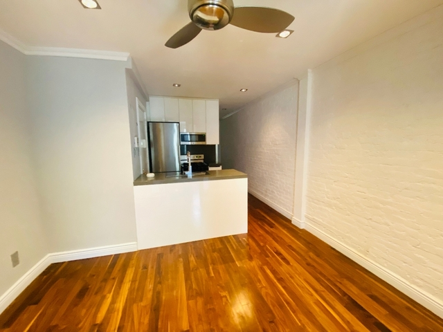 3 Bedrooms, Alphabet City Rental in NYC for $4,610 - Photo 2