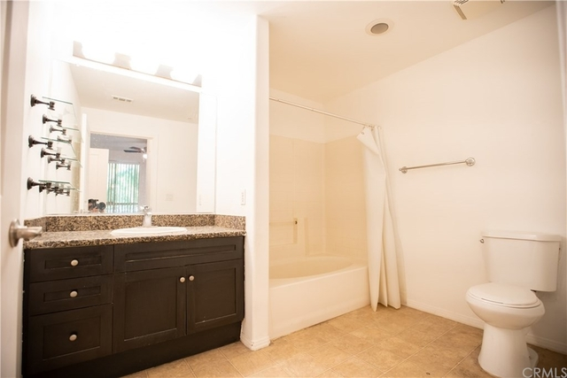 2 Bedrooms, Arts District Rental in Los Angeles, CA for $2,650 - Photo 1