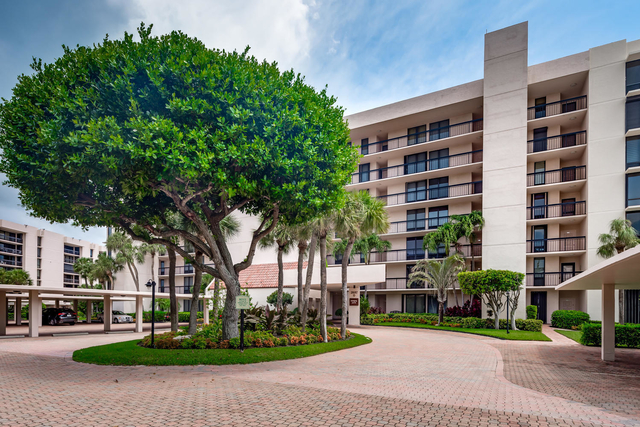 2 Bedrooms, Yacht and Racquet Club of Boca Raton Rental in Miami, FL for $3,600 - Photo 1