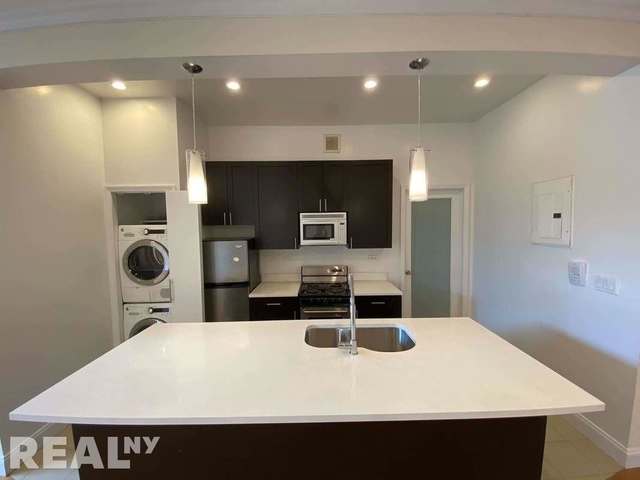 3 Bedrooms, Gramercy Park Rental in NYC for $6,740 - Photo 2