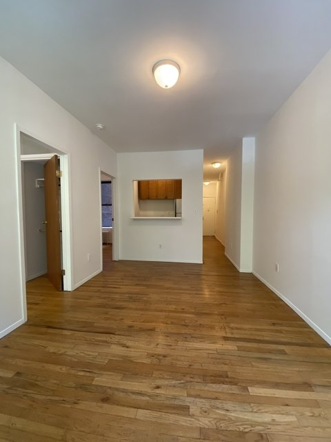 3 Bedrooms, Upper East Side Rental in NYC for $2,750 - Photo 2