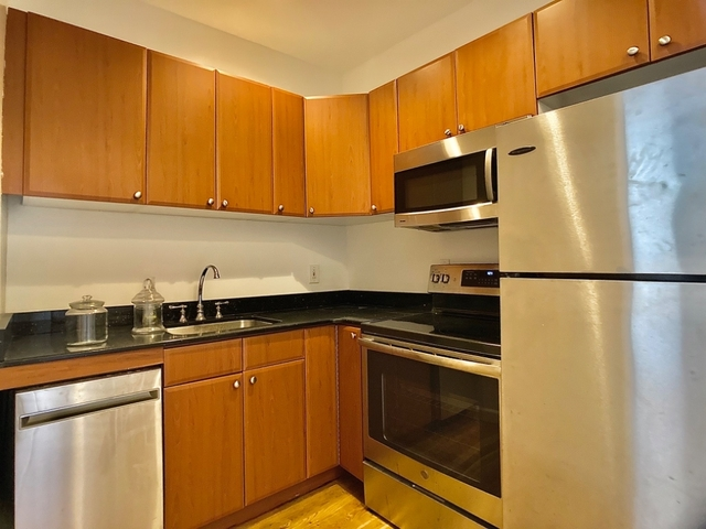 2 Bedrooms, West Village Rental in NYC for $4,629 - Photo 2