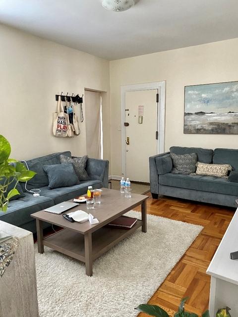 2 Bedrooms, Astoria Rental in NYC for $2,200 - Photo 2