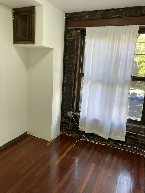 3 Bedrooms, Alphabet City Rental in NYC for $2,700 - Photo 1