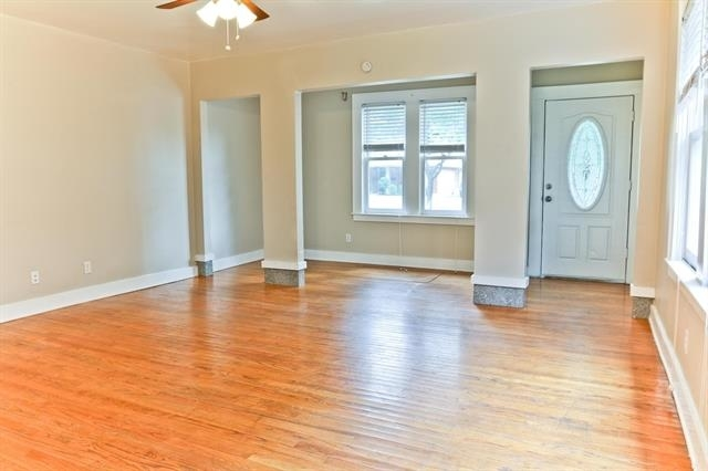 2 Bedrooms, Vickery Place Rental in Dallas for $2,100 - Photo 2