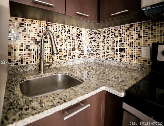 1 Bedroom, Riverview Rental in Miami, FL for $1,225 - Photo 2