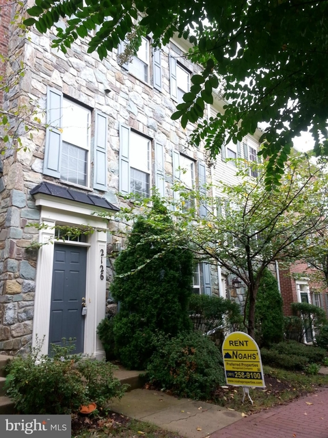 3 Bedrooms, Forest Glen Rental in Washington, DC for $2,550 - Photo 1