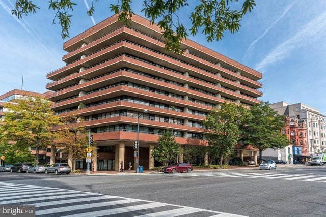 2 Bedrooms, West End Rental in Washington, DC for $3,500 - Photo 1
