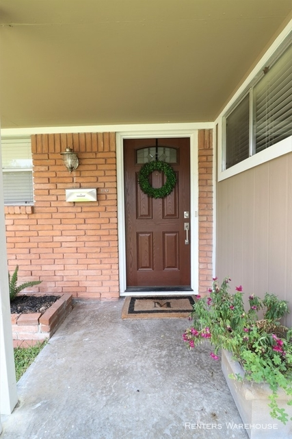 3 Bedrooms, Spring Branch Woods East Rental in Houston for $2,250 - Photo 2