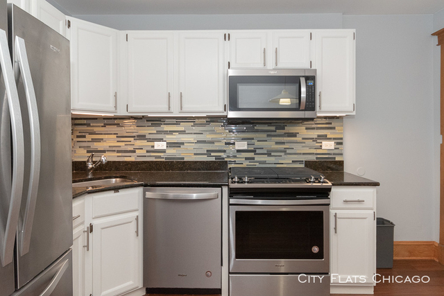 2 Bedrooms, Wrigleyville Rental in Chicago, IL for $2,449 - Photo 2