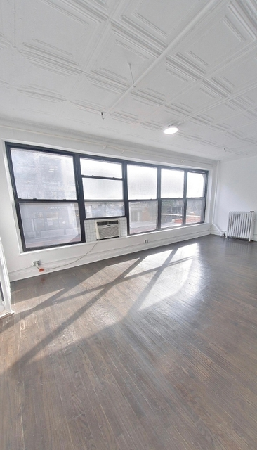 3 Bedrooms, Chelsea Rental in NYC for $4,095 - Photo 1