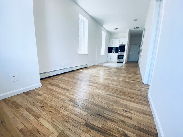 Room, Central Harlem Rental in NYC for $925 - Photo 2