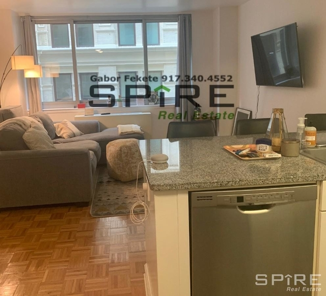 Studio, Civic Center Rental in NYC for $2,800 - Photo 2