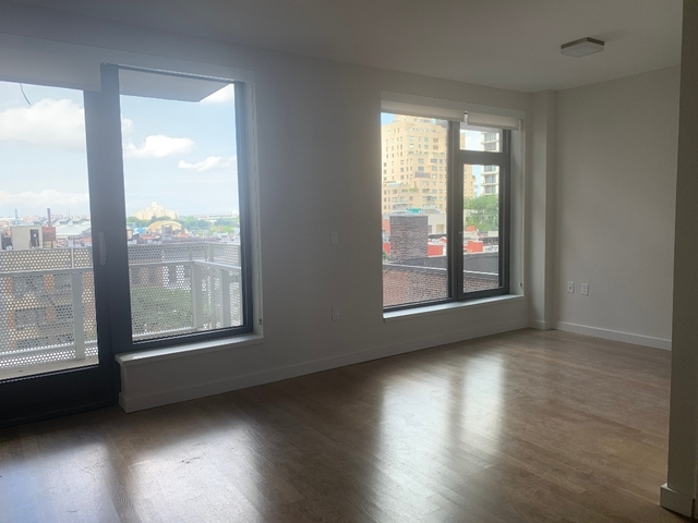 1 Bedroom, Yorkville Rental in NYC for $3,620 - Photo 2