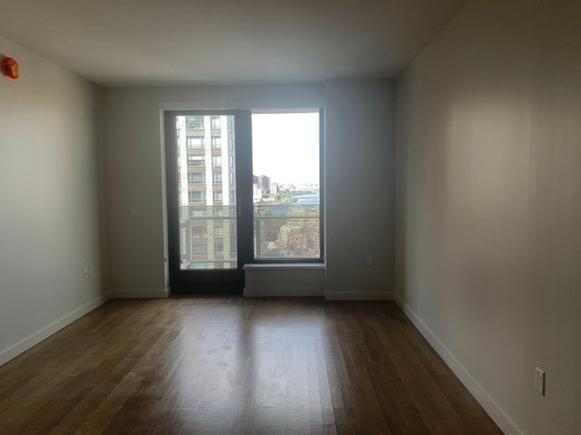 2 Bedrooms, Yorkville Rental in NYC for $5,829 - Photo 1
