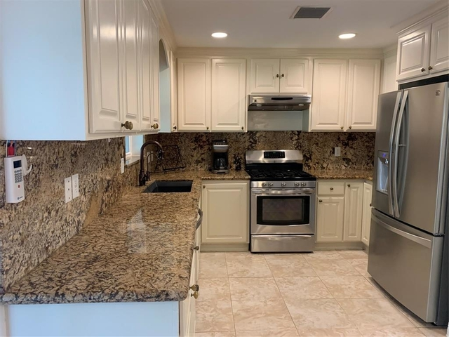 4 Bedrooms, Western Village Rental in Houston for $2,000 - Photo 1