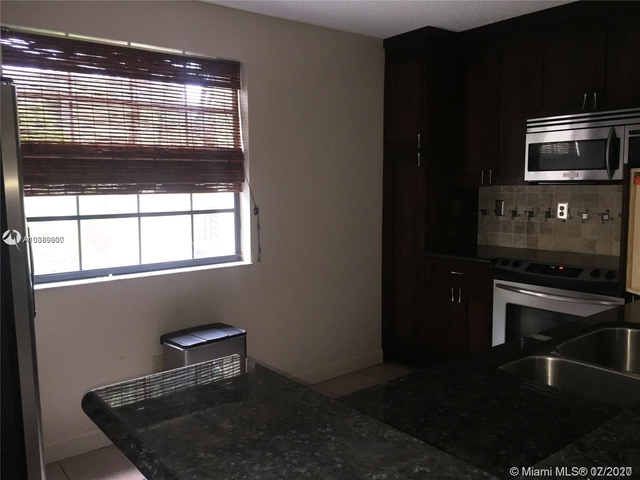 2 Bedrooms, The Waterways Rental in Miami, FL for $1,850 - Photo 2