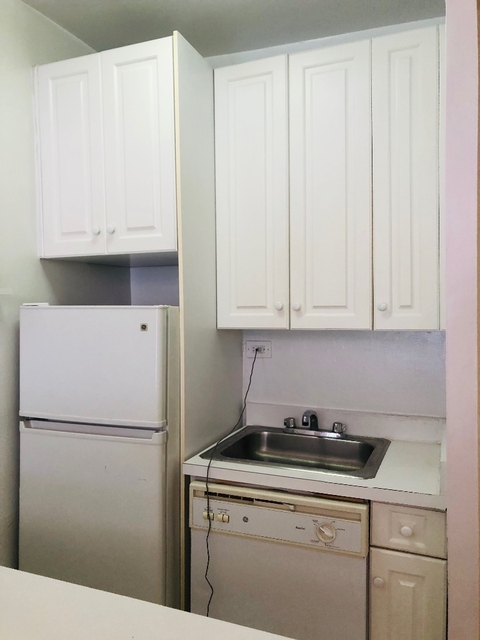 Studio, Hell's Kitchen Rental in NYC for $1,741 - Photo 1