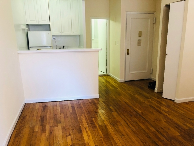 Studio, Hell's Kitchen Rental in NYC for $1,741 - Photo 2