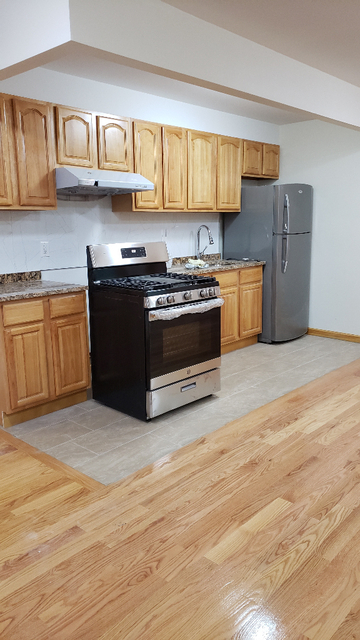 2 Bedrooms, Gravesend Rental in NYC for $2,000 - Photo 1