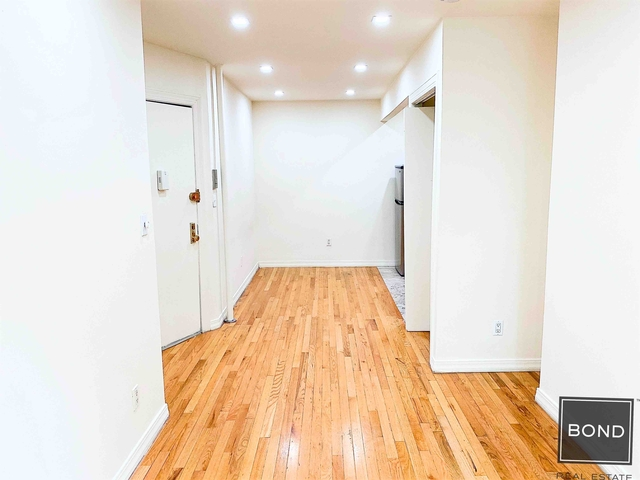 Studio, East Village Rental in NYC for $2,095 - Photo 2