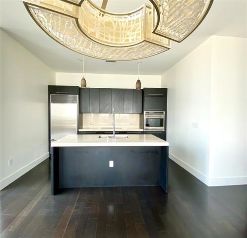 2 Bedrooms, Victory Park Rental in Dallas for $4,000 - Photo 2