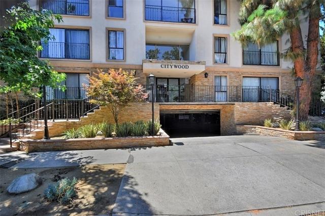2 Bedrooms, Sherman Oaks Rental in Los Angeles, CA for $3,000 - Photo 2