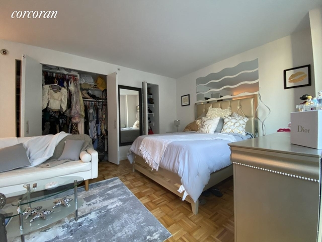 Studio, Hell's Kitchen Rental in NYC for $2,281 - Photo 2
