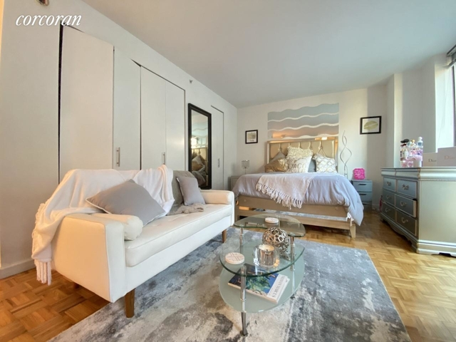Studio, Hell's Kitchen Rental in NYC for $2,281 - Photo 1