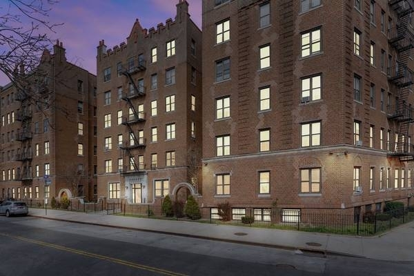 1 Bedroom, Crown Heights Rental in NYC for $2,364 - Photo 2