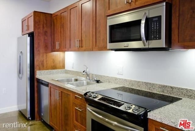 1 Bedroom, Historic Downtown Rental in Los Angeles, CA for $2,800 - Photo 2